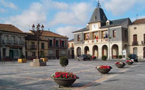 Plaza mayor de Bernardos